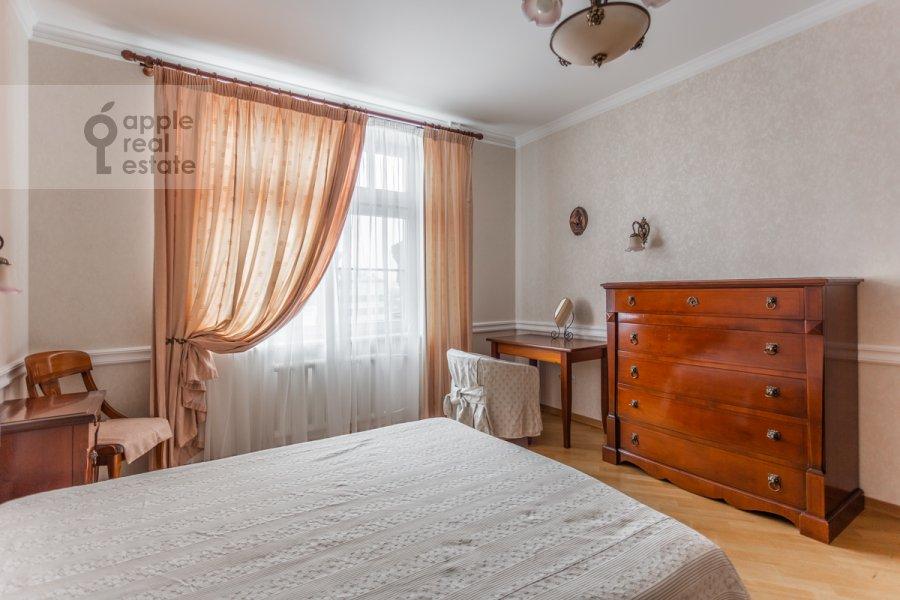 Bedroom of the 4-room apartment at Pogorel'skiy pereulok 6