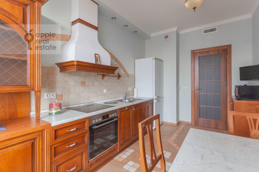 Kitchen of the 4-room apartment at Pogorel'skiy pereulok 6