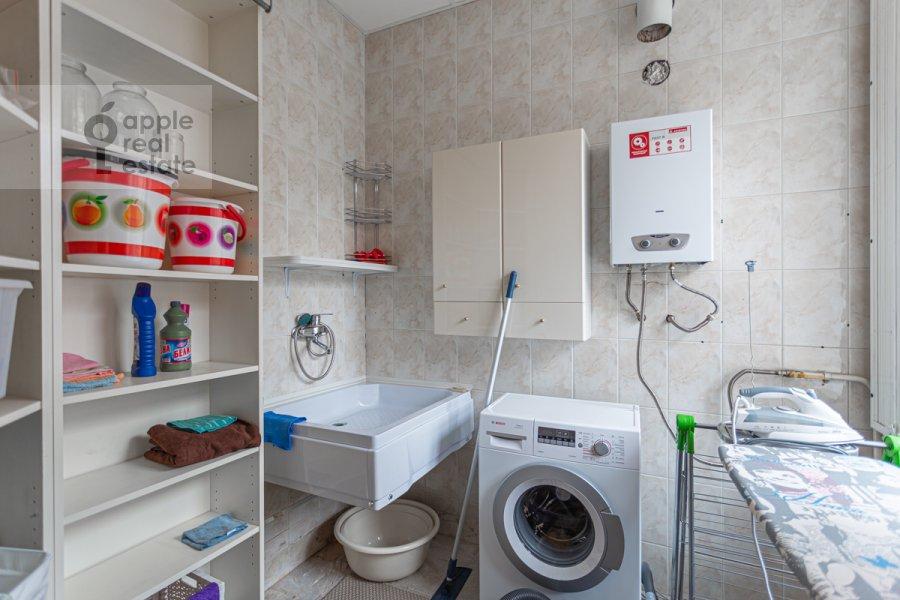 Walk-in closet / Laundry room / Storage room of the 4-room apartment at Bol'shoy Patriarshiy pereulok 4