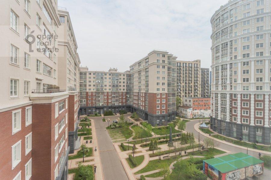 Вид из окна в 3-комнатной квартире по адресу Мытная улица 7с1