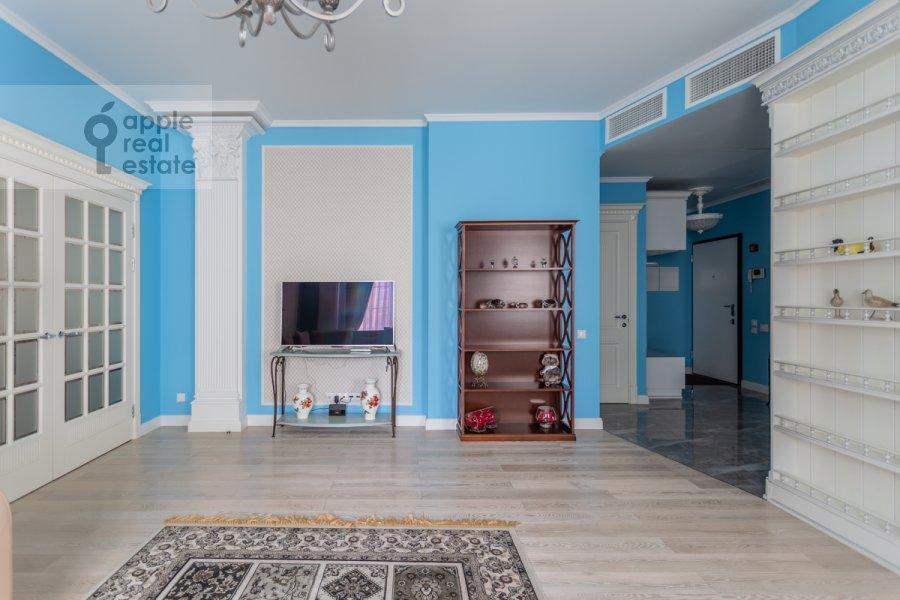 Гостиная в 3-комнатной квартире по адресу Мытная улица 7с1