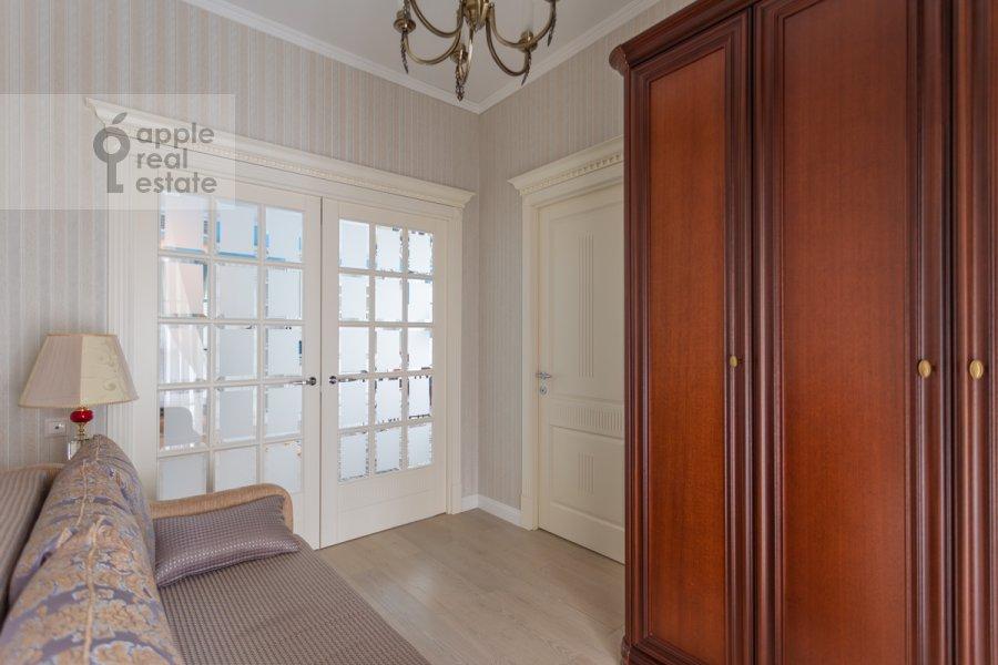 Детская комната / Кабинет в 3-комнатной квартире по адресу Мытная улица 7с1