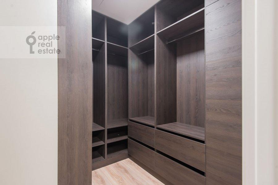 Гардеробная комната / Постирочная комната / Кладовая комната в 2-комнатной квартире по адресу Большая Садовая ул. 5к1