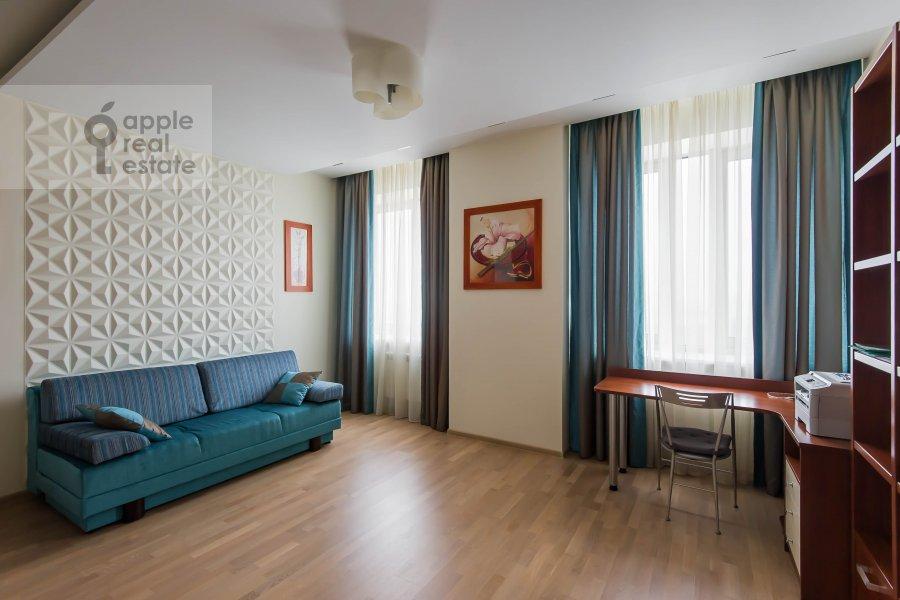 Bedroom of the 3-room apartment at Aviamotornaya ulitsa 12