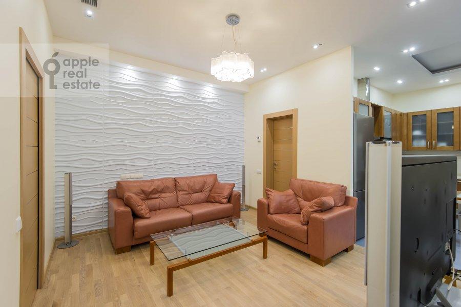 Living room of the 3-room apartment at Aviamotornaya ulitsa 12