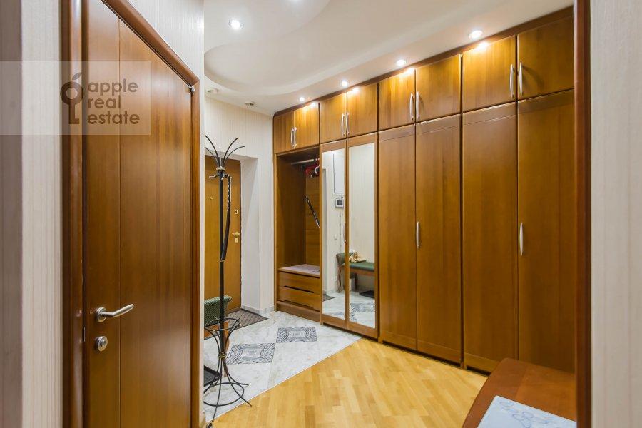 Corridor of the 3-room apartment at Leningradskiy prospekt 76k2