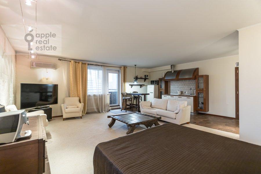 Living room of the 1-room apartment at Studenetskiy pereulok 3