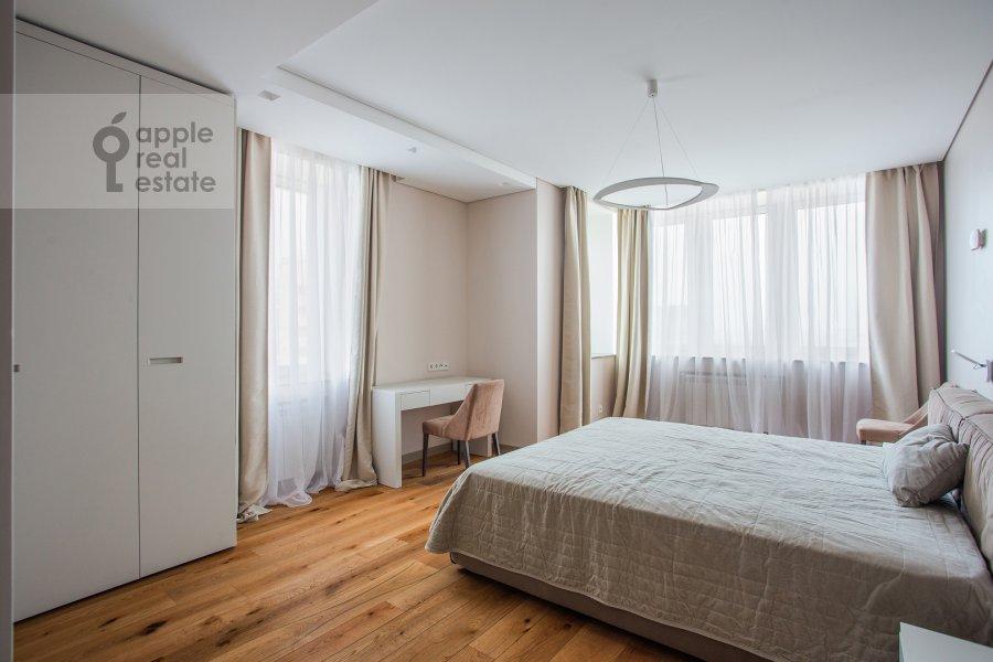Bedroom of the 4-room apartment at Chasovaya ulitsa 23k1