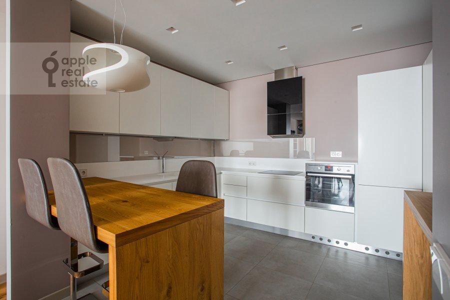 Кухня в 4-комнатной квартире по адресу Часовая улица 23к1