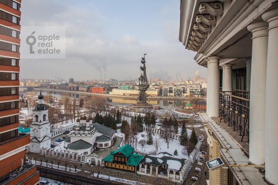 Вид из окна в 4-комнатной квартире по адресу Большая Якиманка 22к3