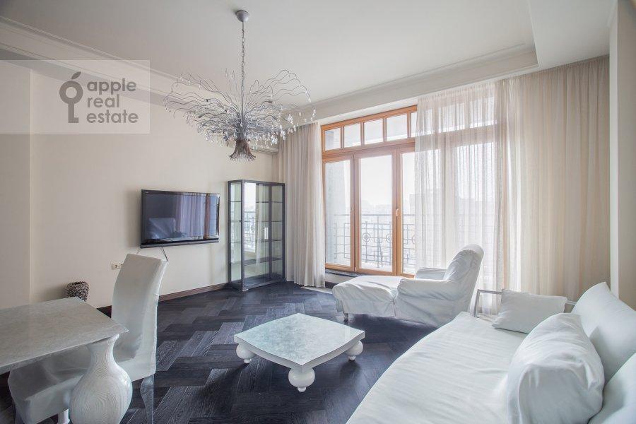 Гостиная в 4-комнатной квартире по адресу Большая Якиманка 22к3