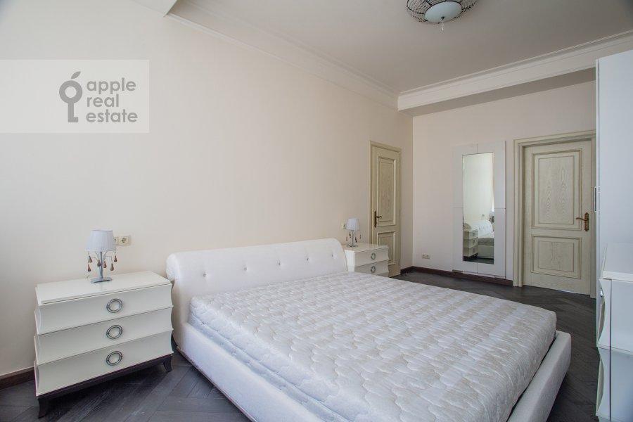 Спальня в 4-комнатной квартире по адресу Большая Якиманка 22к3