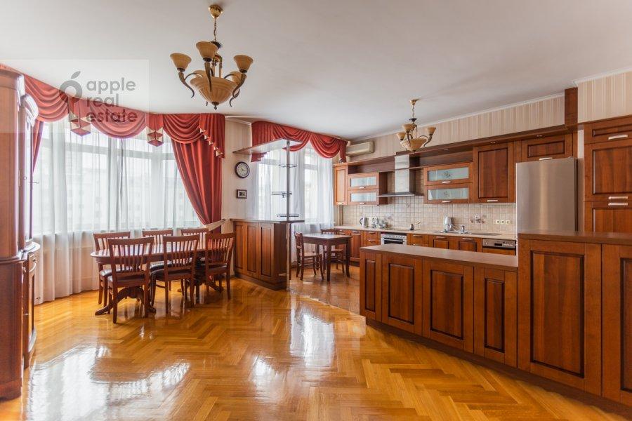 Kitchen of the 3-room apartment at Gilyarovskogo 4k1