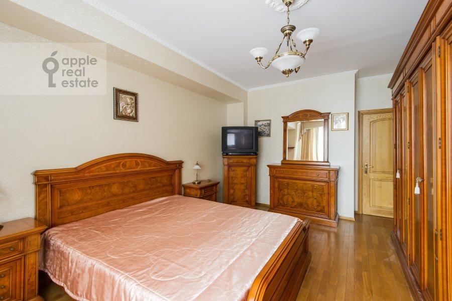 Спальня в 3-комнатной квартире по адресу Трехгорный Вал 12к2