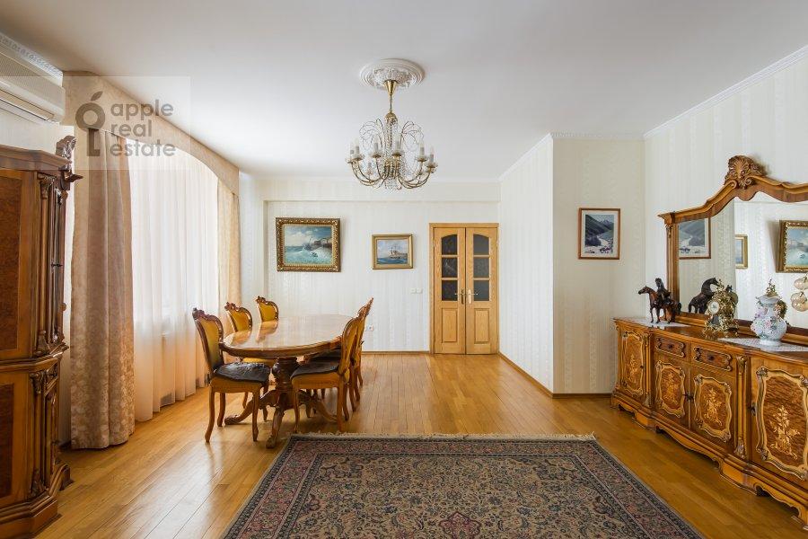 Гостиная в 3-комнатной квартире по адресу Трехгорный Вал 12к2