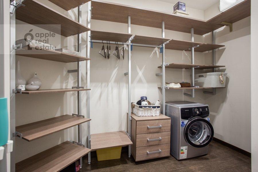Walk-in closet / Laundry room / Storage room of the 2-room apartment at prospekt Marshala Zhukova 78