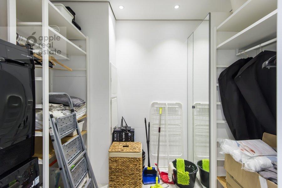 Walk-in closet / Laundry room / Storage room of the 3-room apartment at prospekt Mira 188Bk4