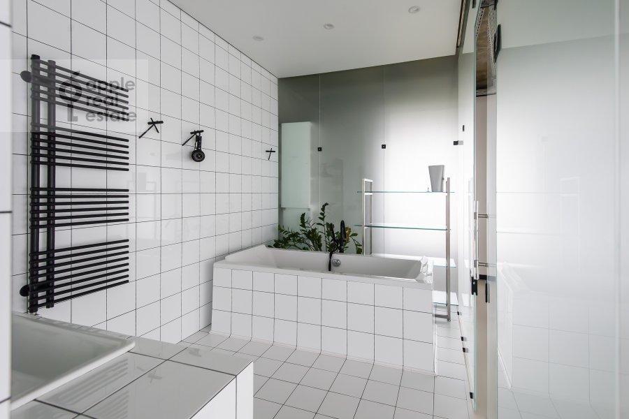 Санузел в 3-комнатной квартире по адресу проспект Мира 188Бк4