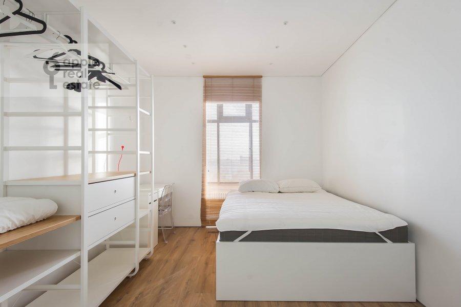 Bedroom of the 3-room apartment at prospekt Mira 188Bk4