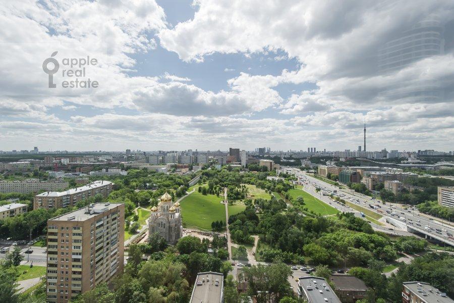 Вид из окна в 3-комнатной квартире по адресу проспект Мира 188Бк4