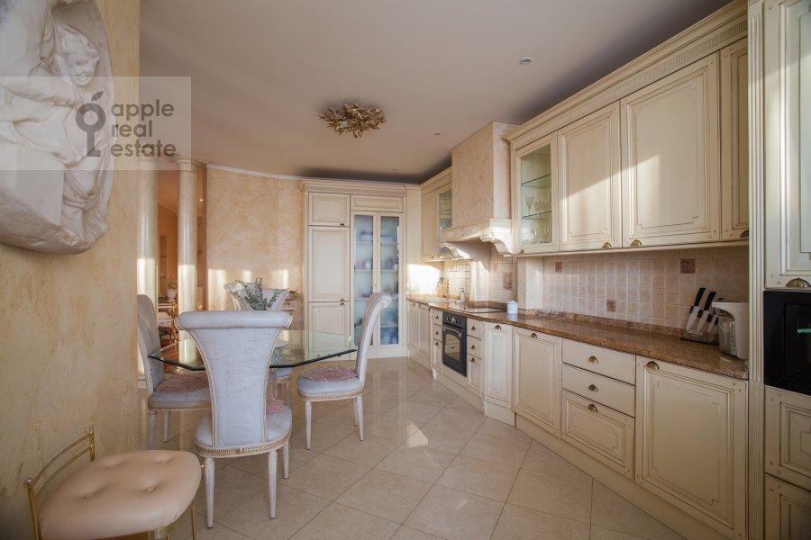 Kitchen of the 4-room apartment at Leninskiy prospekt 106k1