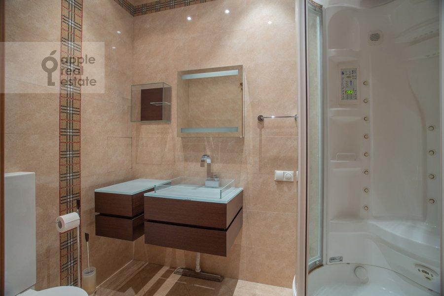 Bathroom of the 4-room apartment at Leninskiy prospekt 106k1