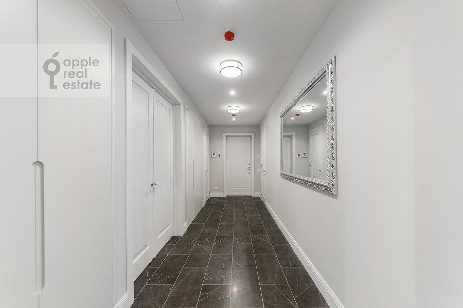 Коридор в 4-комнатной квартире по адресу Орджоникидзе 1