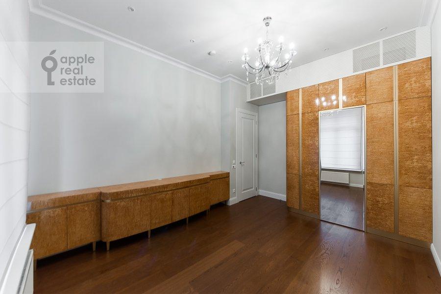 Спальня в 4-комнатной квартире по адресу Орджоникидзе 1