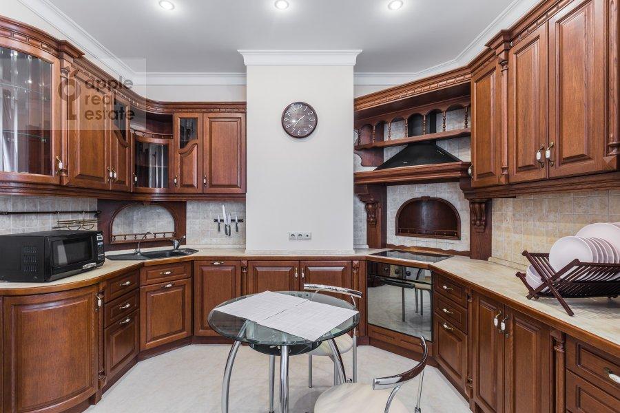 Kitchen of the 3-room apartment at Arkhitektora Vlasova ul. 18