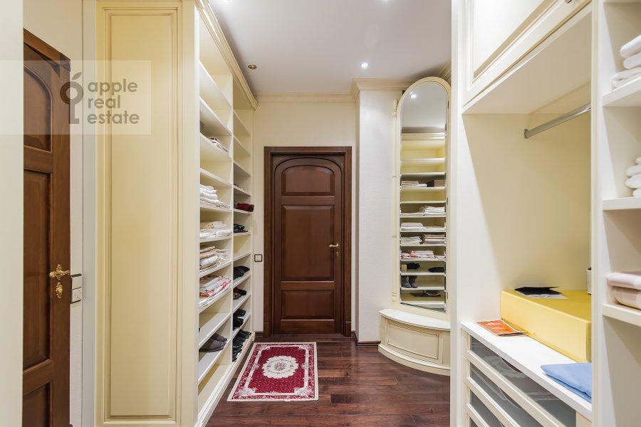 Walk-in closet / Laundry room / Storage room of the 3-room apartment at Novatorov ul. 8 korp2