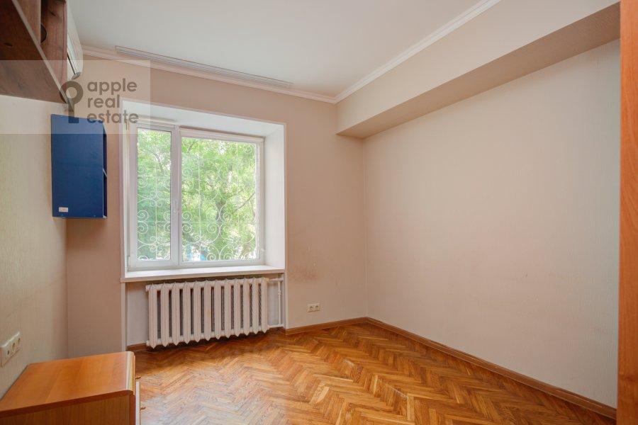 Children's room / Cabinet of the 4-room apartment at Tarasa Shevchenko nab. 3k3
