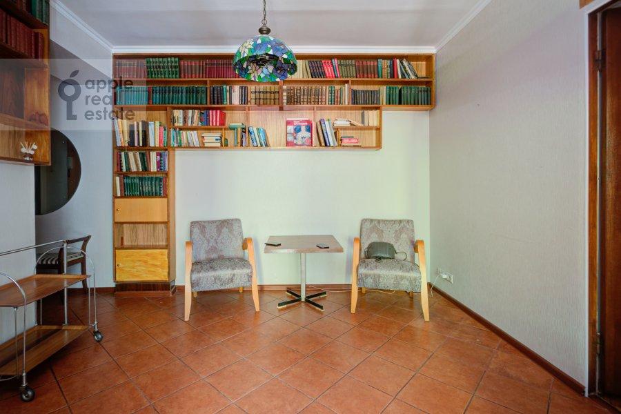 Corridor of the 4-room apartment at Tarasa Shevchenko nab. 3k3