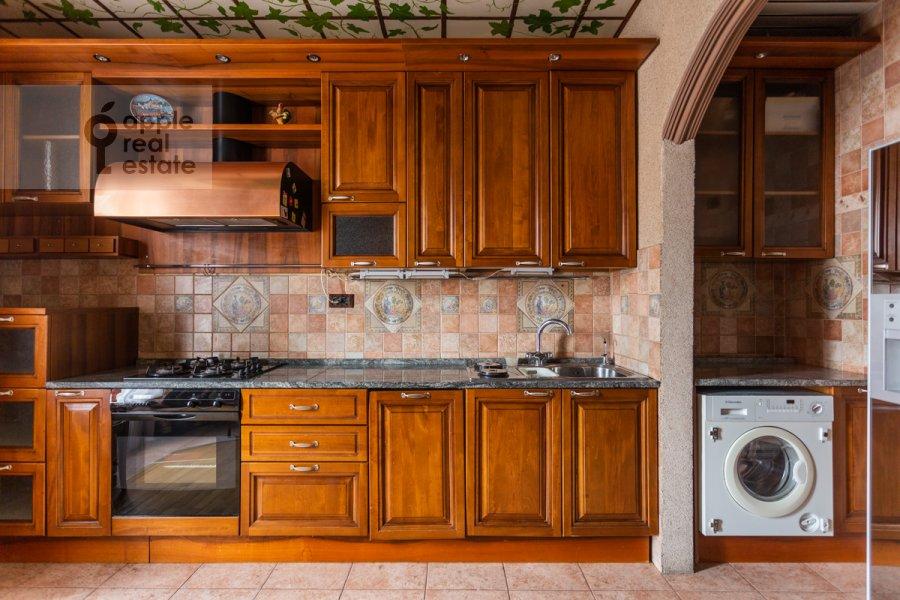 Kitchen of the 4-room apartment at Starokonyushennyy pereulok 28s1