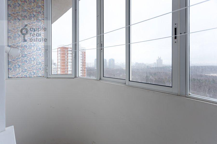 Балкон / Терраса / Лоджия в 2-комнатной квартире по адресу Веерная улица 2
