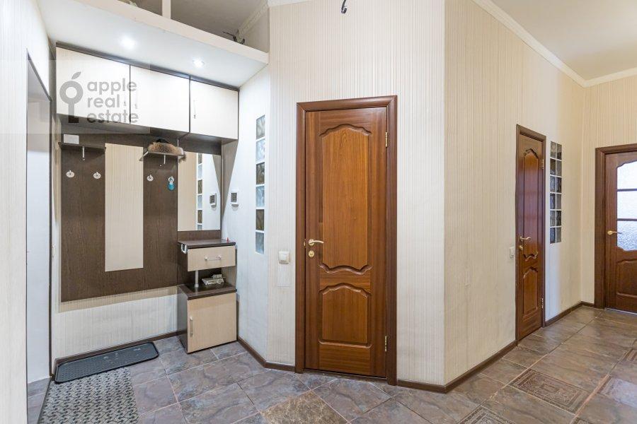 Коридор в 2-комнатной квартире по адресу Веерная улица 2