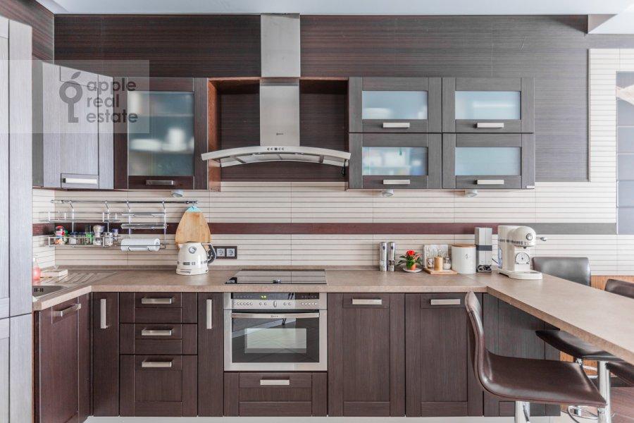 Kitchen of the 2-room apartment at prospekt Vernadskogo 92