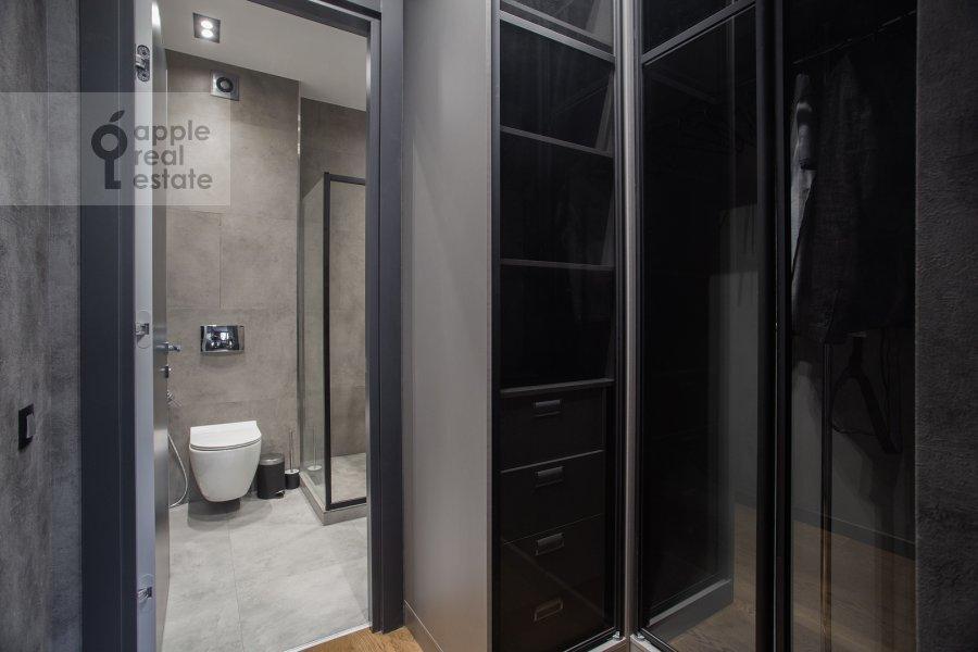 Bathroom of the 4-room apartment at Leningradskiy prospekt 35S2
