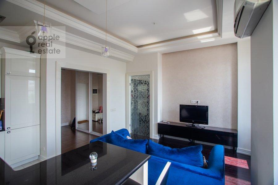 Living room of the 2-room apartment at Prosvirin pereulok 15