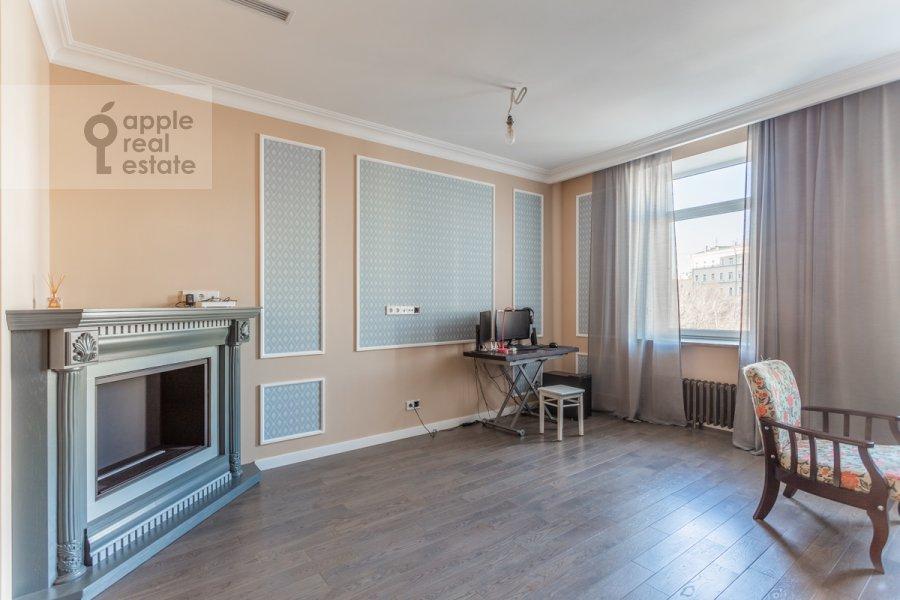 Гостиная в 3-комнатной квартире по адресу 2-й Неопалимовский пер. 11