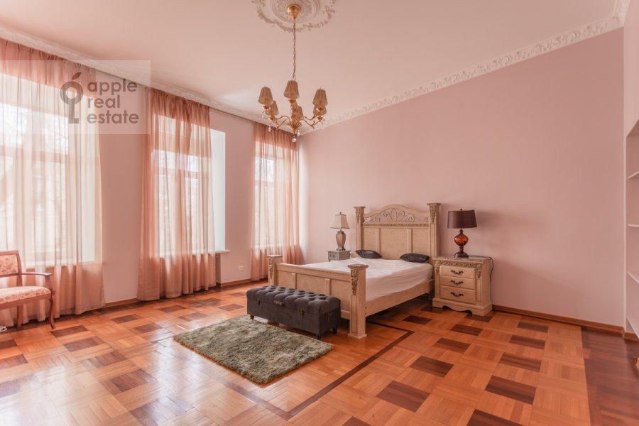 Спальня в 5-комнатной квартире по адресу Брюсов переулок 6