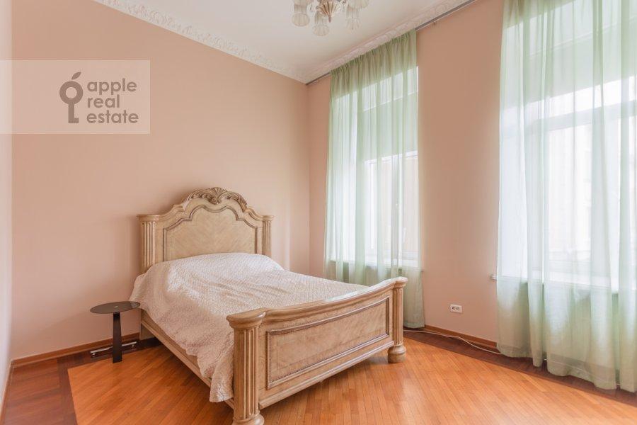 Детская комната / Кабинет в 5-комнатной квартире по адресу Брюсов переулок 6