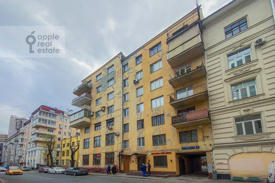 Photo of the house of the 2-room apartment at Staropimenovskiy pereulok 4S1