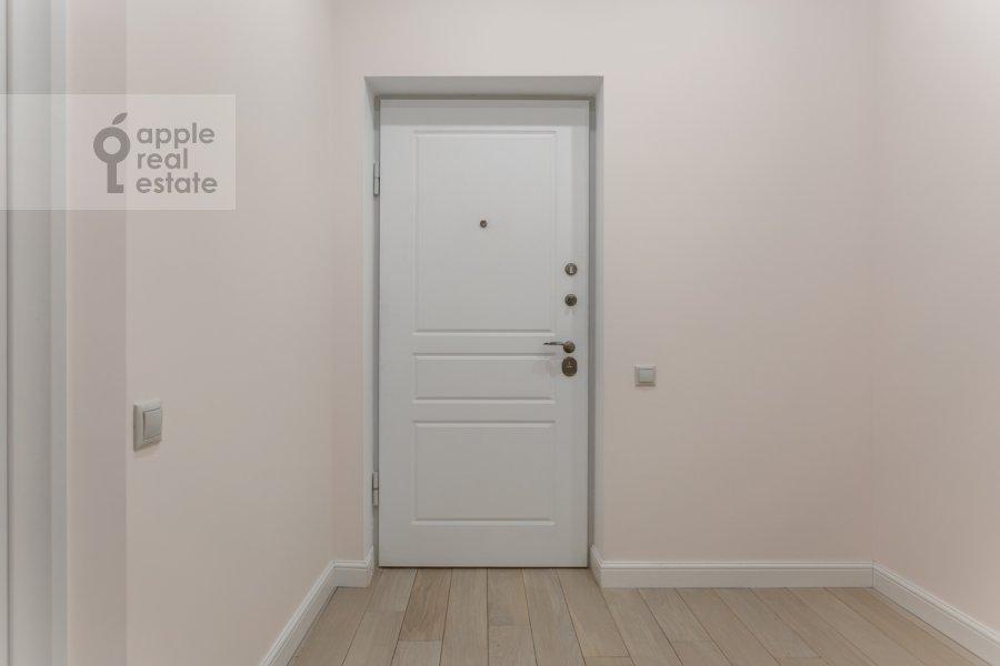 Corridor of the 3-room apartment at Bol'shaya Sadovaya ulitsa 5k1