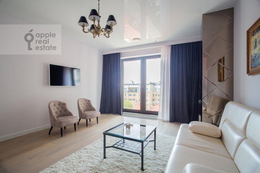 Гостиная в 3-комнатной квартире по адресу Большая Садовая улица 5к1