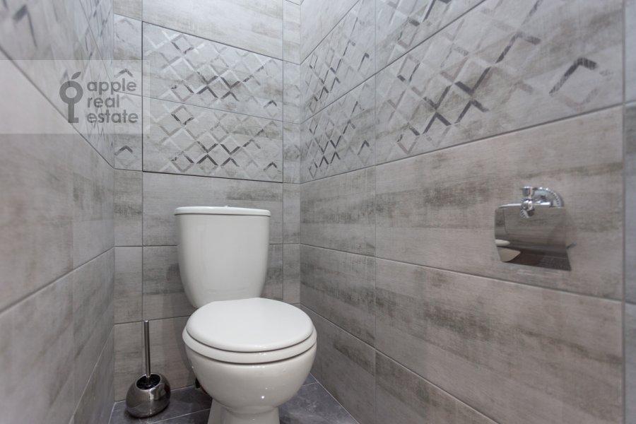 Санузел в 2-комнатной квартире по адресу Кутузовский проспект 30