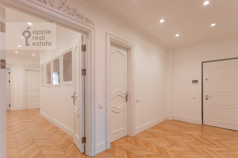 Corridor of the 4-room apartment at Khilkov per. 1