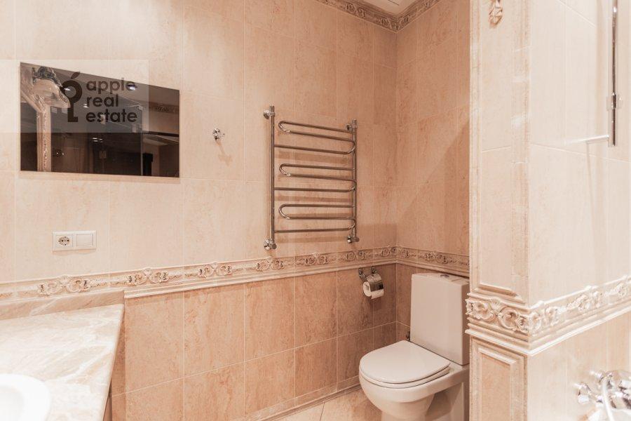 Bathroom of the 3-room apartment at Bol'shaya Gruzinskaya ulitsa 69