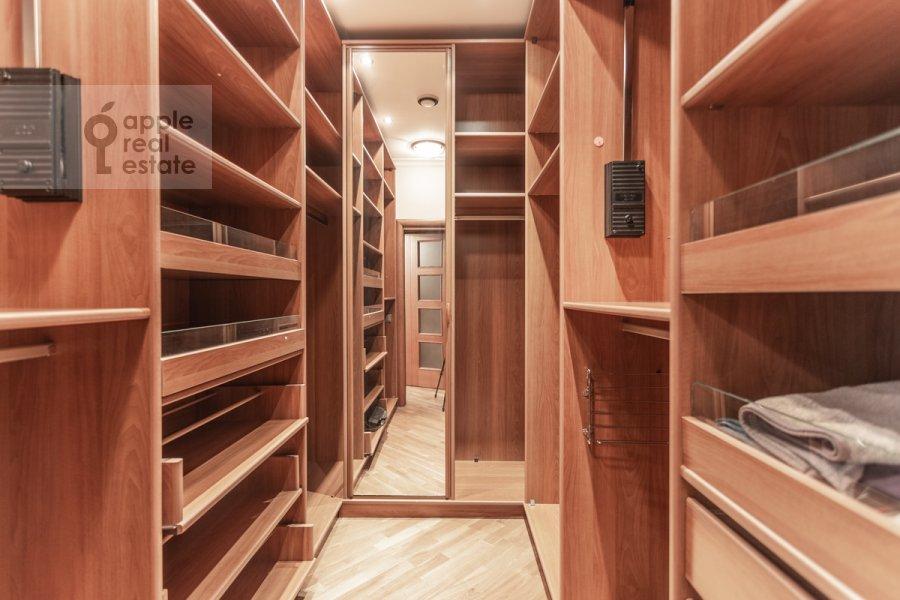Walk-in closet / Laundry room / Storage room of the 2-room apartment at 1-y Smolenskiy pereulok 17
