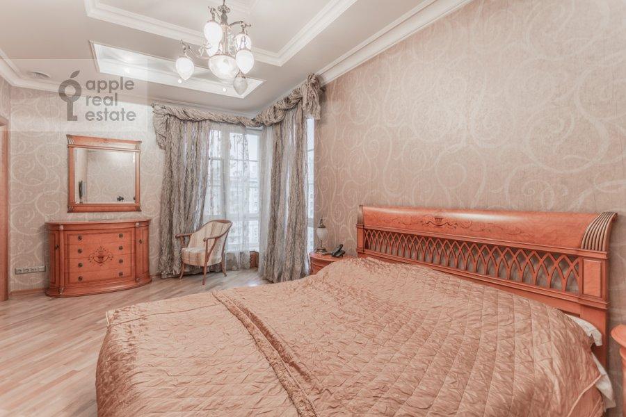 Bedroom of the 2-room apartment at 1-y Smolenskiy pereulok 17