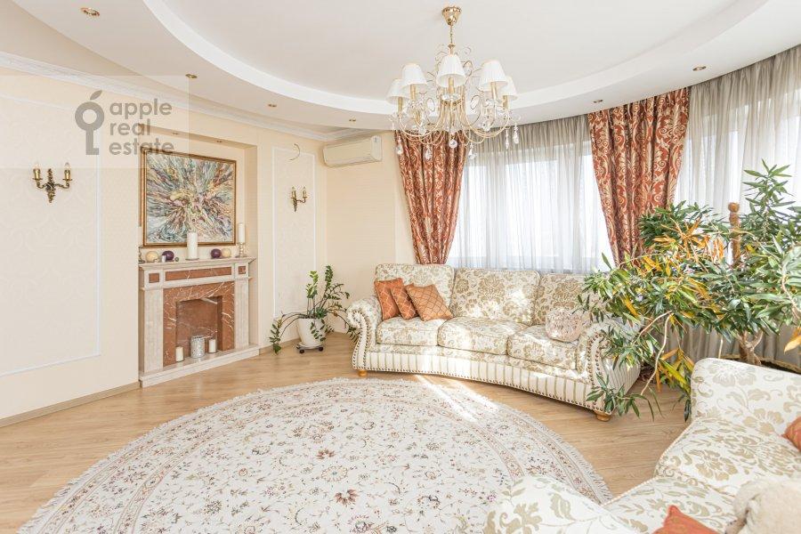 Living room of the 2-room apartment at Rossoshanskaya ul. 2k4